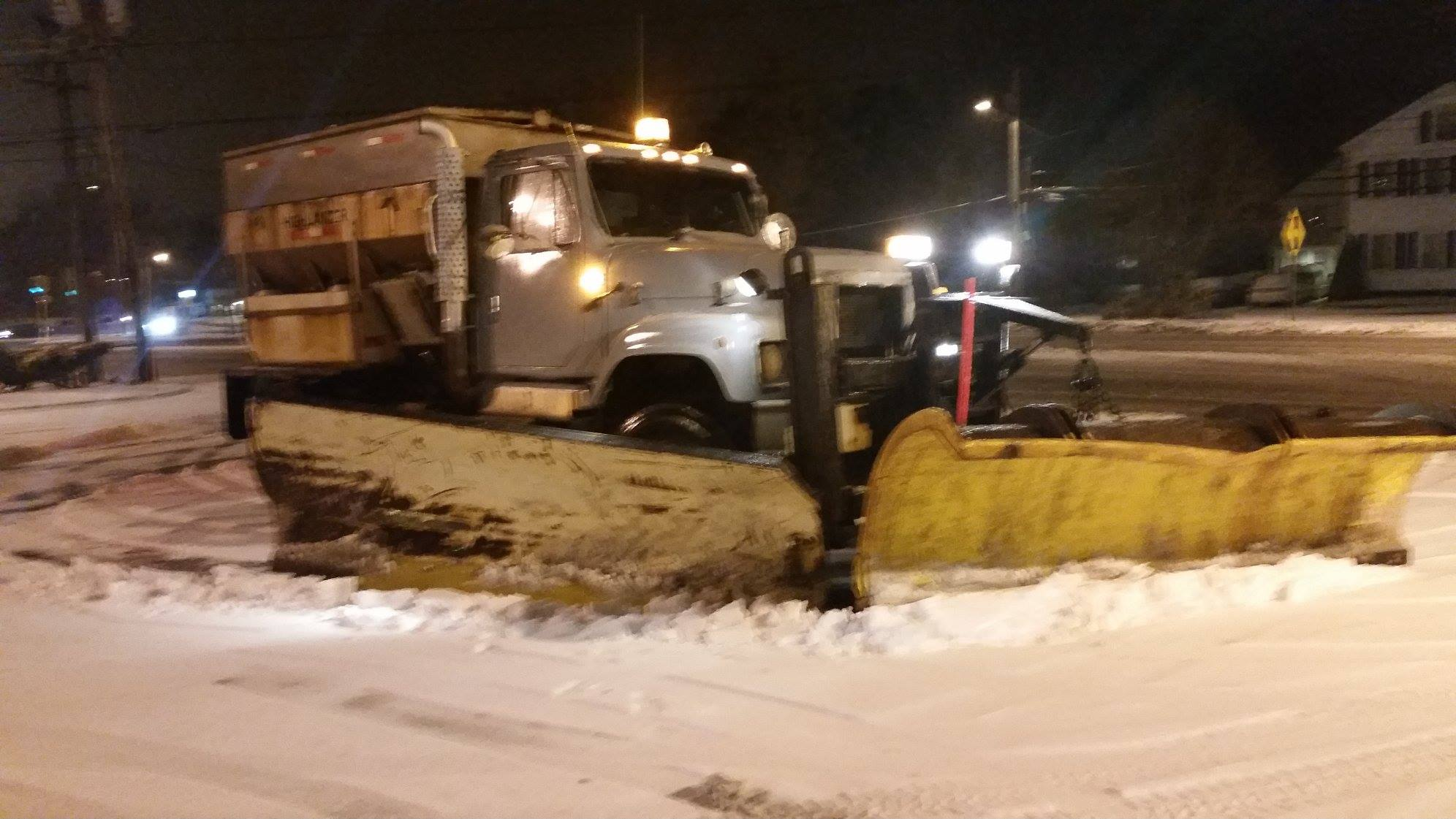 bigdogdisposal-snow plowing and sanding1