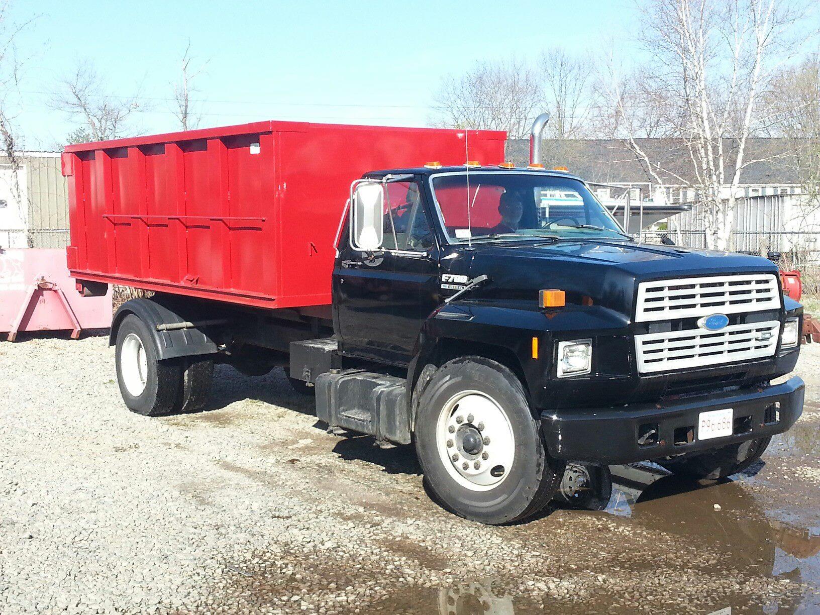 hook lift - truck for roll offs